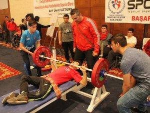 Bedensel Engelliler Halter Türkiye şampiyonası Konya'da yapıldı