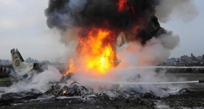 Son dakika! Sibirya'da askeri uçak düştü