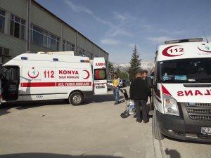 Konya'da minibüs devrildi: 19 yaralı
