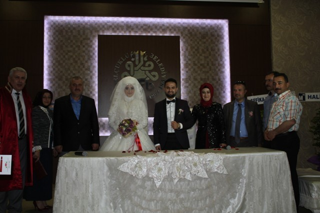 Emine ile Cıhat Mert Mutluluğa evet dedi