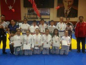 Küçük Judocular Hatay'da 30 madalya kazandı