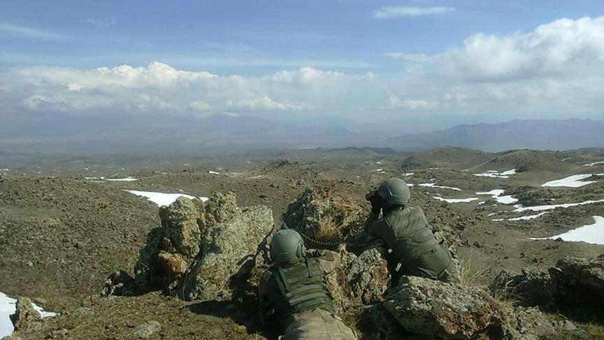 Çukurca askeri üs bölgesinde çatışma: 7 asker yaralı