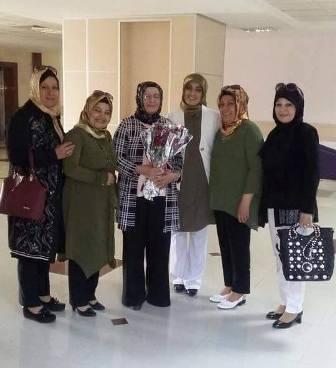Hanımlardan anlamlı ziyaret