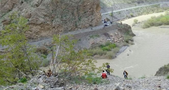 Dağda mahsur kalanların imdadına Mehmetçik yetişti