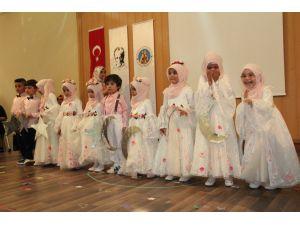 Kur'an kursunda mezuniyet töreni