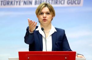 CHP'yi Sarsan İstifa! Parti Sözcüsü Selin Sayek Böke Parti Görevlerini Bıraktı