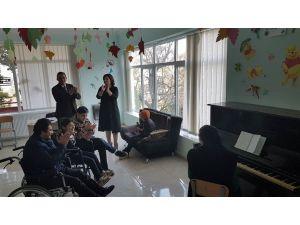 TİKA'dan Batum'daki engelli çocuklar merkezine destek