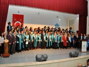 NEÜ Fen Fakültesi ilk mezunlarını törenle uğurladı