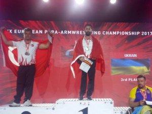 Meram'dan 2 madalya daha