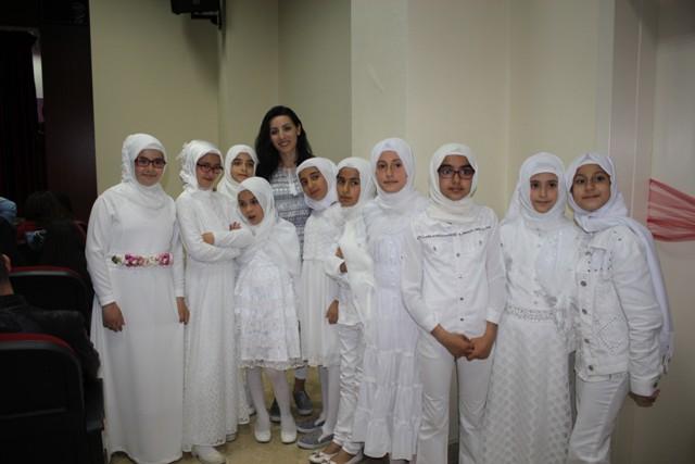 Öğrencilerden İngilizce tiyatro
