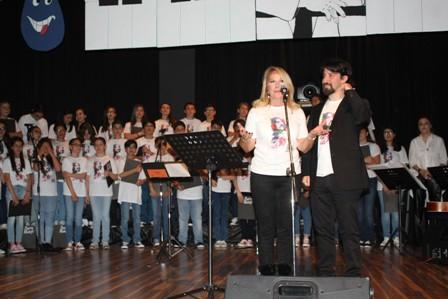 Esentepe Koleji Barış Manço'yu andı