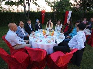 Beyşehir'e veda edecek emniyet personeli onuruna iftar yemeği