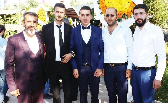 Ayhan Dedeoğlu oğlunu evlendirdi