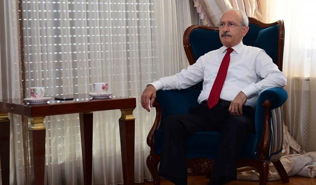 Kılıçdaroğlu 15 Temmuz şehitlerinin kemiklerini sızlatan vekiline sahip çıktı!