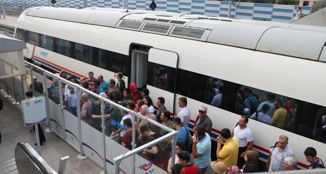 Konya-İstanbul YHT seferi durdu... Yolcular otobüslerle taşınıyor