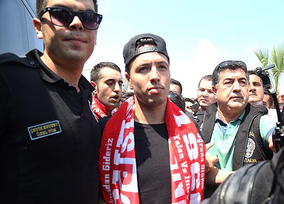 UEFA'dan Nasri'ye 6 ay futboldan men cezası