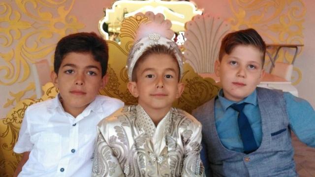 Bilal Özcan, sünnet oldu