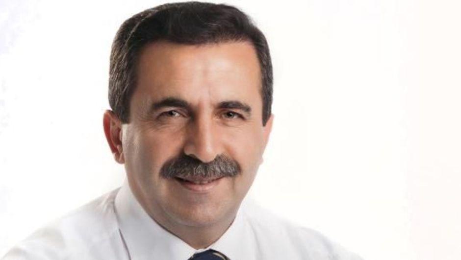 Eski Ilgın Belediye Başkanı Oral'a yurt dışı yaağı