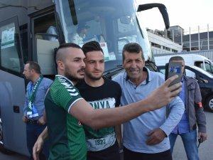 Atiker Konyaspor kafilesi Marsilya'da