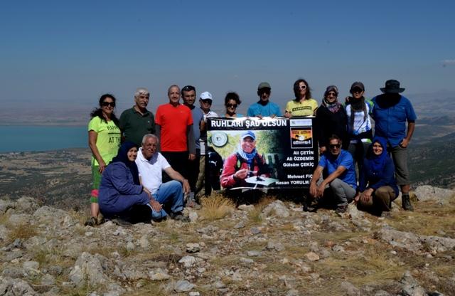 Doğaseverler Karayaka Dağı'na tırmandı