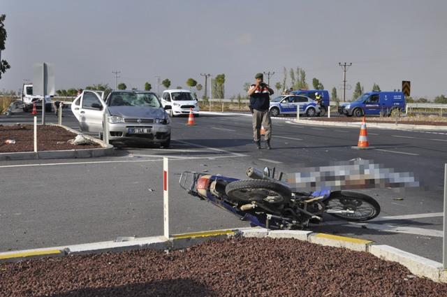 Konya'da otomobil ile motosiklet çarpıştı: 1 ölü, 4 yaralı