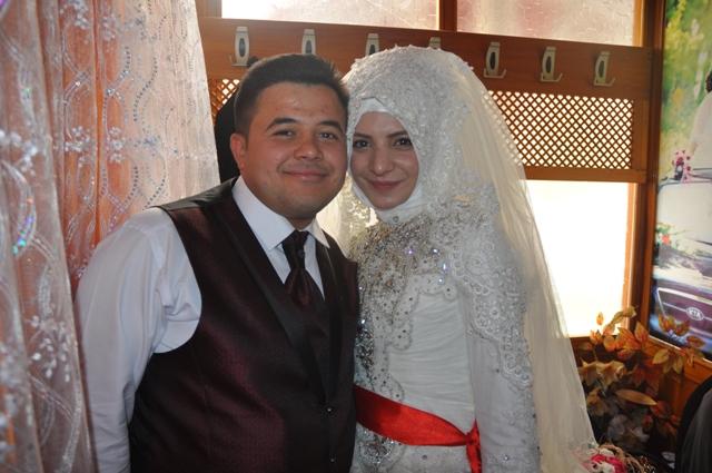 Habibe ile Ali Osman yuvalarını kurdu.