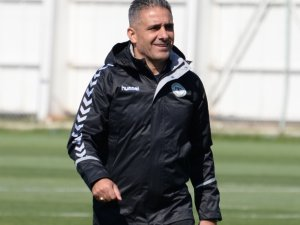 Yeni Antrenör Ahmet Özen antrenmana çıktı