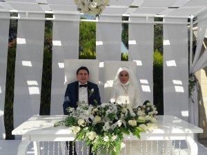 Konya Emniyet Eski Müdürü Kızını Evlendirdi