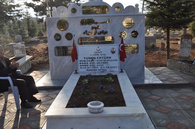 Akşehir'de şehit Yunus Ertürk için Bayrak Anıtı yaptırıldı