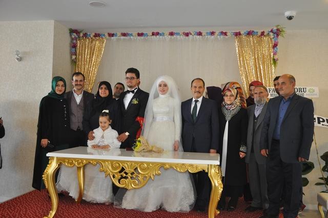 Büşra ile Durali evlendi