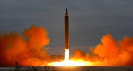 Kuzey Kore 'Hwasong-14' sınıfı uzun menzilli füze ateşledi