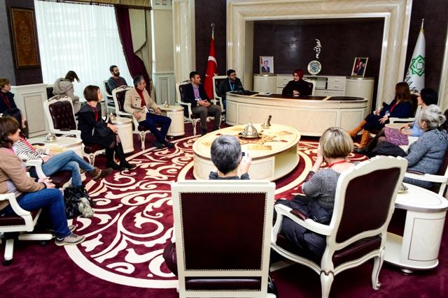 Yabancı öğretmenler Başkan Toru'yu ziyaret etti