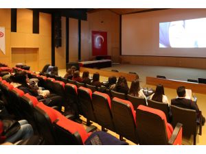 """""""Kadına yönelik şiddet"""" konulu film gösterimi"""
