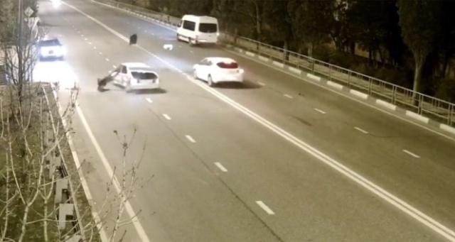 Kurallara uymayan sürücüler kazalara yol açtı
