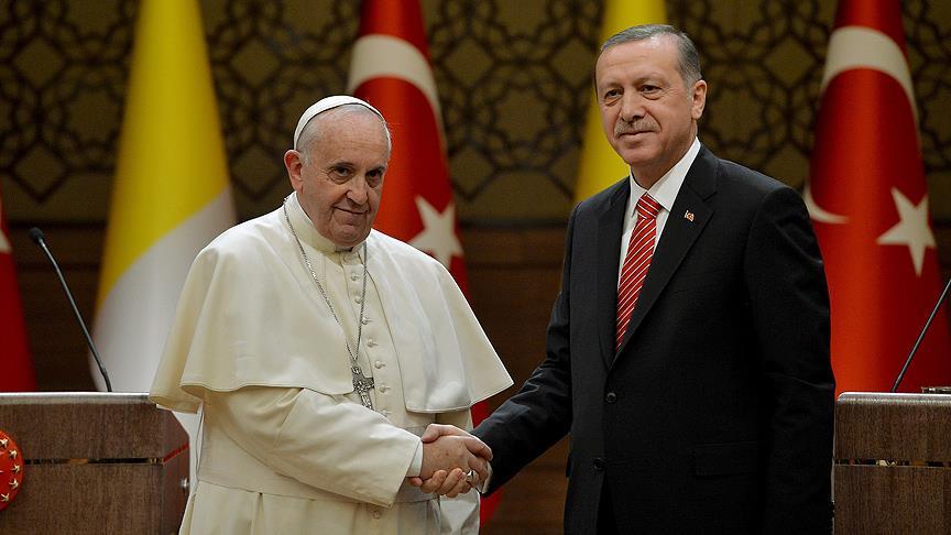 Erdoğan, Papa Franciscus ile telefonda görüştü