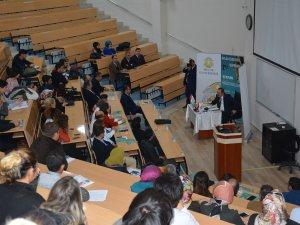 """Selçuk Üniversitesi'nde """"Hz. Mevlâna, Kardeşlik ve Sosyal Yaşam"""" konferansı yapıldı"""