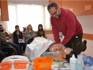 Selçuk Tıp'ta ileri yaşam desteği kursu verildi