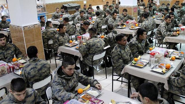 Milli Savunma Bakanı Canikli: Askeri birliklerde organik ürün tüketilecek