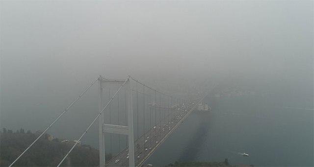 Sis altındaki Fatih Sultan Mehmet Köprüsü havadan görüntülendi