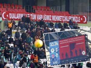 Konyaspor maçında Mehmetçiğe destek
