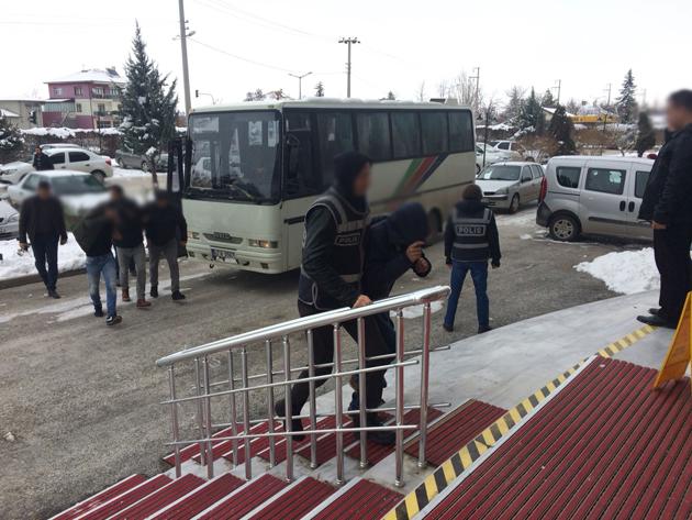 Konya'daki Uyuşturucu Operasyonunda 17 Kişi Tutuklandı