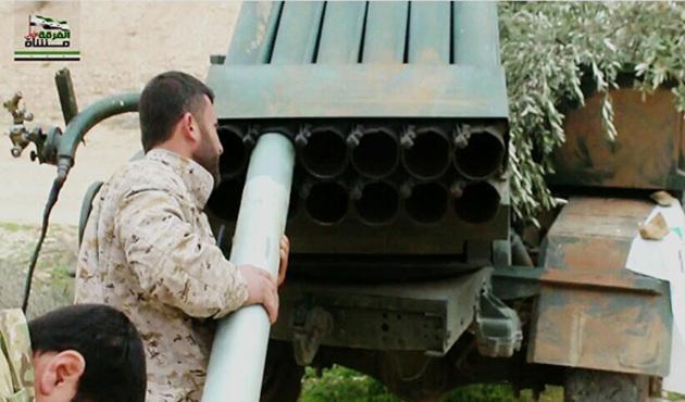 Yüzlerce DEAŞ militanı aileleri ile ÖSO'ya teslim oldu!