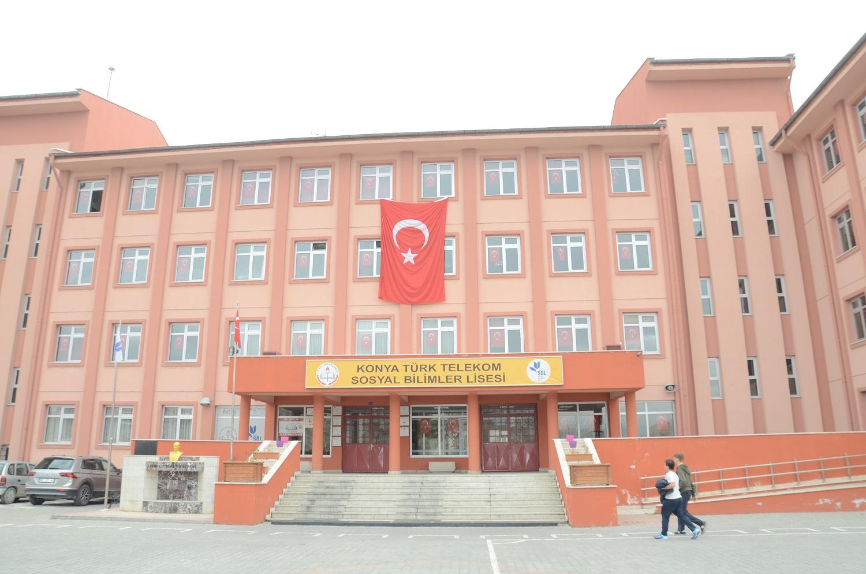 Karatay Belediyesi Afrin Harekatına Destek İçin Okullara Bayrak Hediye Etti