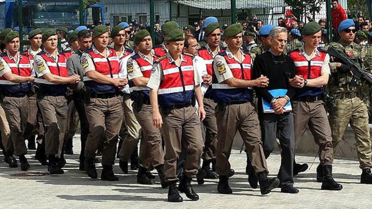 Komutanların yakın korumaları darbe gecesini anlattı