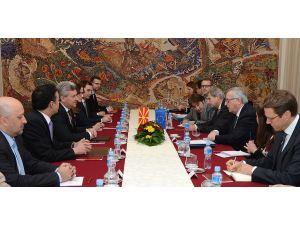 AB Komisyonu Başkanı Juncker Arnavutluk'ta:
