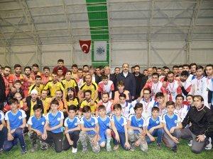 Tepekent Mahalle Futbol Turnuvası'nda ödüller verildi