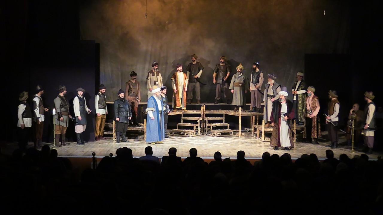 """Akşehir'de """"Osmancık"""" isimli tiyatro oyunu sahnelendi"""