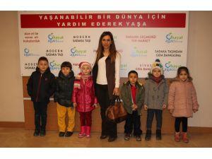 Öğrencilerden Gıda Bankasına yardım