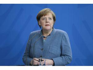 Merkel-Vucic görüşmesi