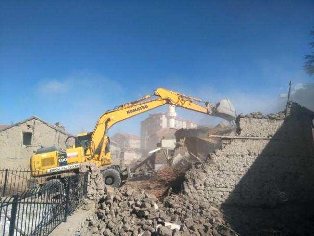 Ereğli'de Metruk Binalar Yıkılıyor